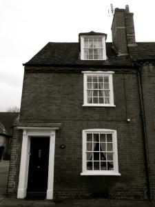 13 Colebrook St Winchester, C18