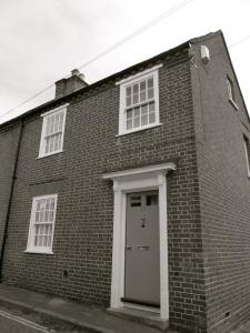 15 Colebrook St Winchester, C18