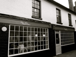 154 High St Winchester, C18