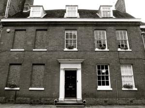 16 Kingsgate St Winchester C18