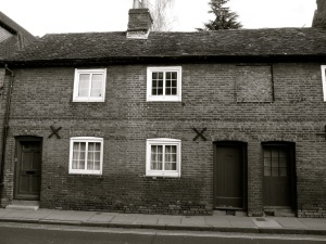 17-21 Chesil St, Winchester, C18-19