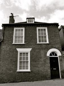 21 St Johns St, Winchester, C19