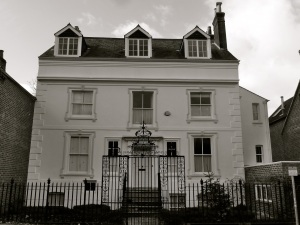 54 Chesil St, Winchester, C18-19