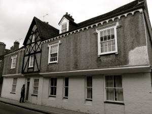 66-68 Kingsgate St Winchester C17-19