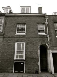 70 Kingsgate St Winchester C18