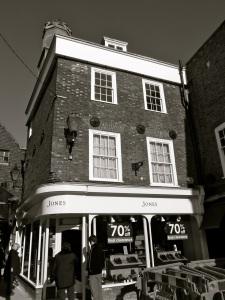 17 The Square Winchester C17-18