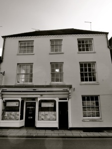 25 Southgate St Winchester C18