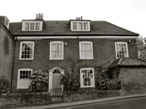 25 St Swithun St Winchester C18