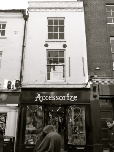 26 High St Winchester C18