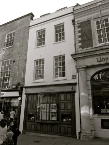 48 High St Winchester C18