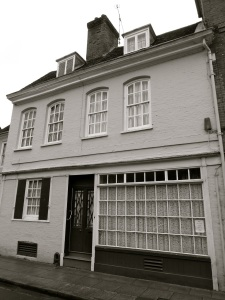 10 College St Winchester C18