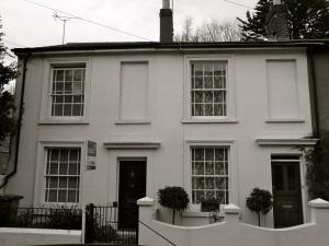 17-18 Parchment St Winchester 1830