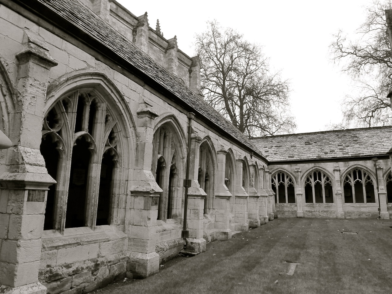 Cloisters north east winchester college c14 for Winchester architects