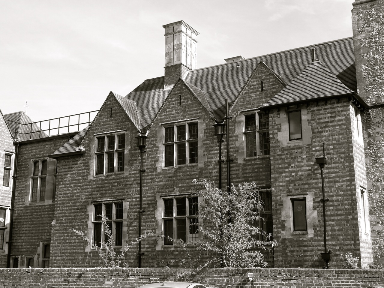 winchester architecture peninsular square and castle