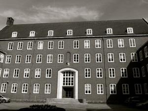 Queen Elizabeth II Court (Inner) WInchester 1960