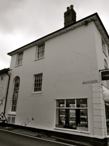 36 High St (North) Petersfield C19