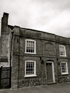 48 College St, Petersfield C17-18