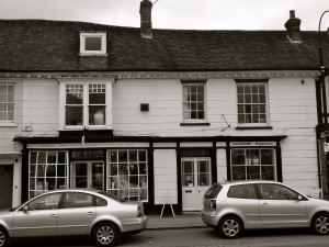 9  Dragon St Petersfield C18