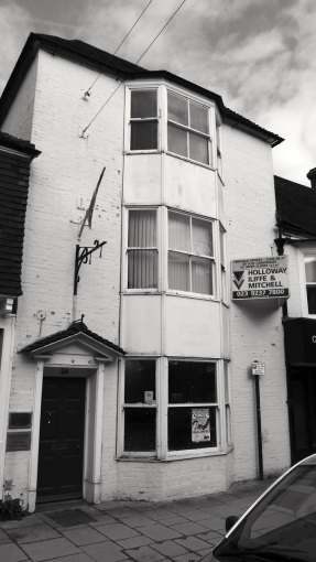 24 High St Petersfield C17