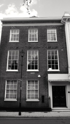 132 High St Portsmouth C18