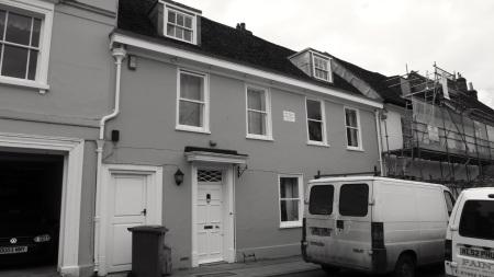 27 Broad St Alresford C18