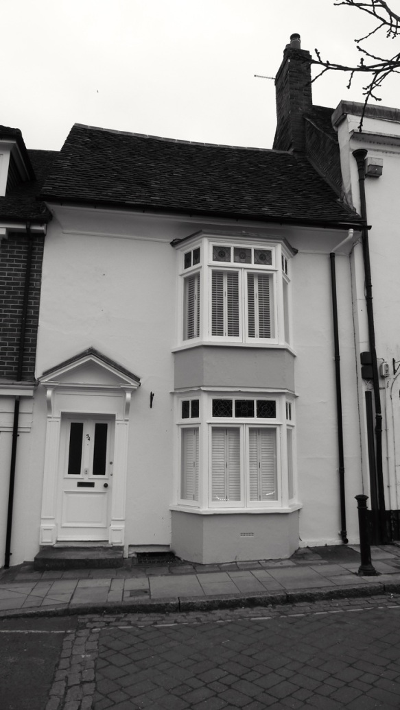 32 (Bredon Hs) Broad St Alresford C18-19