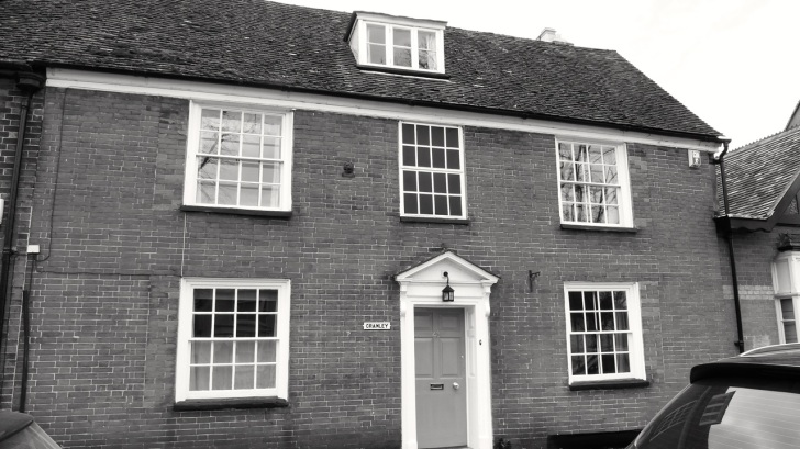43 (Cranley) Broad St Alresford C18
